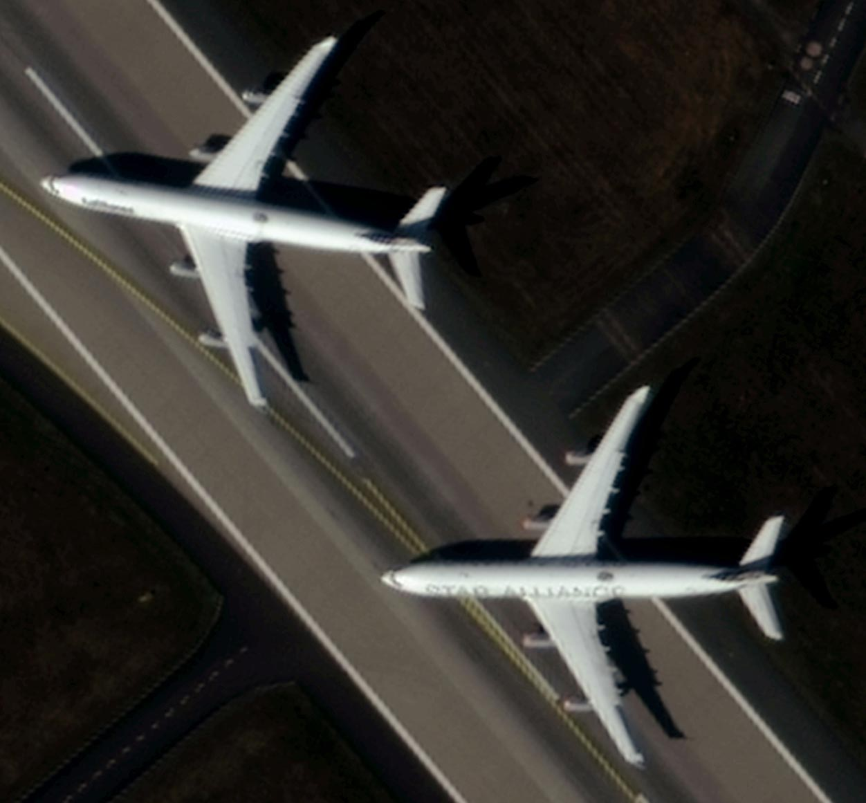 Image of two planes with 50cm resolution