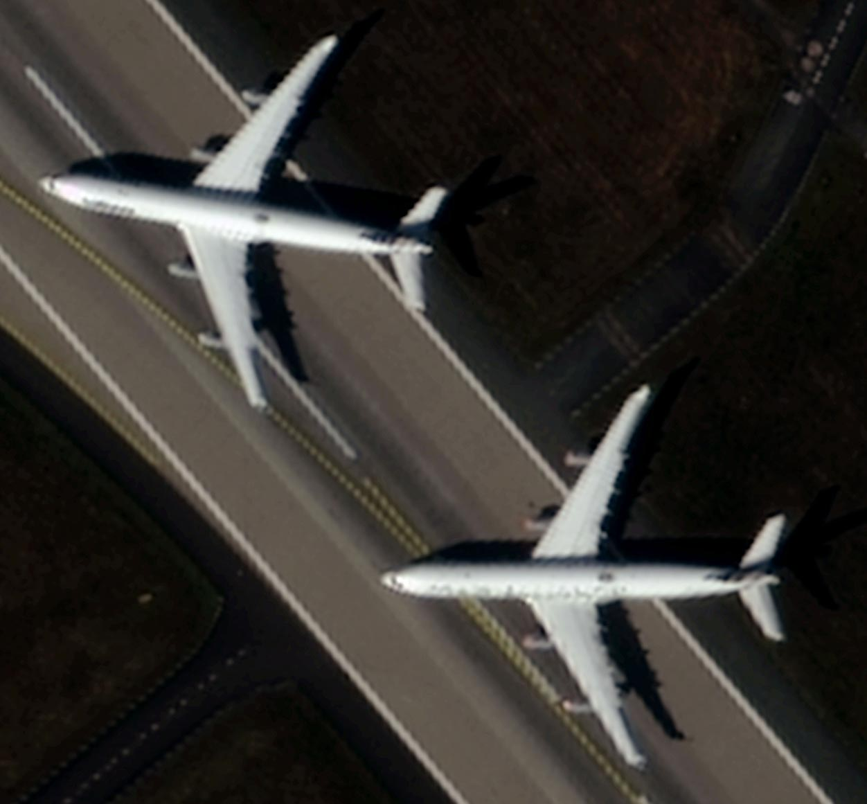 Image of two planes with 70cm resolution